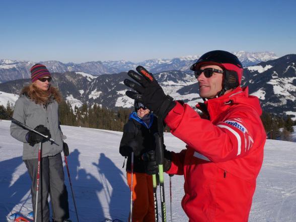 Skilehrer Thomas Fill bei der Arbeit in der Wildschönau, Tirol.