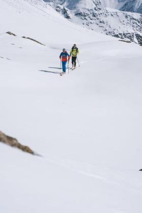Gern paarweise: Skitourengeher bei ihrem Hobby.