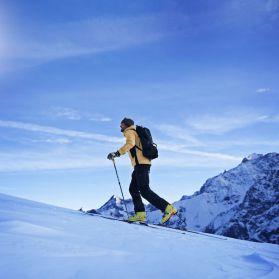 Skitourengeher müssen steil bergauf gehen.